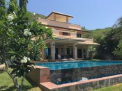 Big pool villa 350 sqm near city Hua Hin