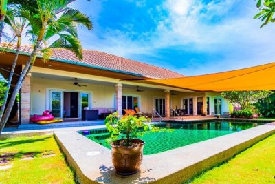 ORCHID PALM HOMES 3 : Luxury 3 Bed Pool Villa on Premier Development. Hua Hin
