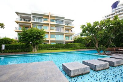 Hua Hin Baan Sanpluem City at the beach