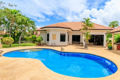 Nice pool villa 225 sqm in soi 114 Hua Hin