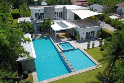 Hua Hin Top Luxury Modern Pool Villa :10 Minutes drive Northwest of Hua Hin Centre