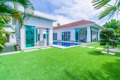 WHITESTONE VILLAS : Good Quality 3 Bed Pool Villa Hua Hin