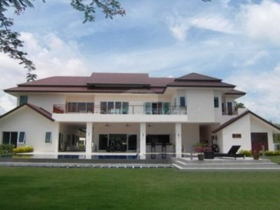 Grand Luxury Pool Villa 25 Mins Drive North of Hua Hin Centre