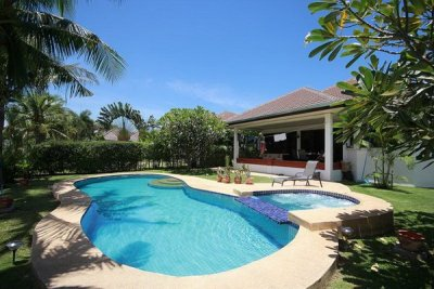 Pool Villa soi 102 near city Hua Hin