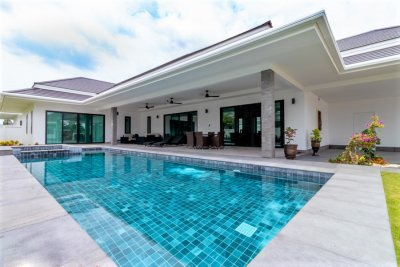 The Clouds luxury pool villa 321 sqm Hua Hin