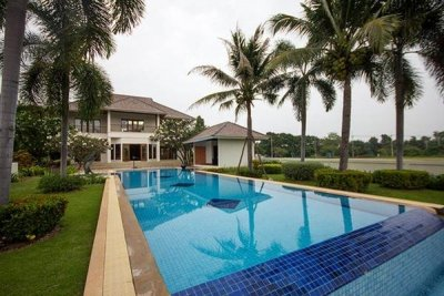 Hua Hin Beautiful Views of Lake & Golf Course
