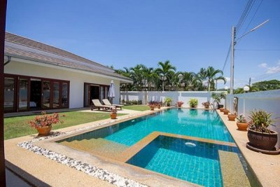 Good Design 3 Bed Pool Villa nr Town Centre5 Mins Drive West of Hua Hin centre