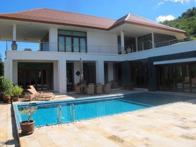 Hua Hin Great Quality 3 Bed Pool Villa: Sea & Mountain View