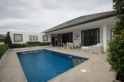Hua Hin 3 Bed Pool Villa in Town