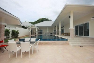 Well Constructed 6 Bed Pool Villa5 mins drive South of Hua Hin Center