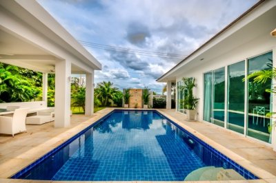 Luxury Modern 3 Bed Pool Villa10 Mins Drive West of Hua Hin Centre