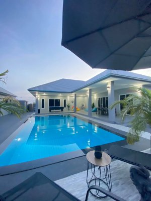 Brand new Pool villa near beach in Cha-Am