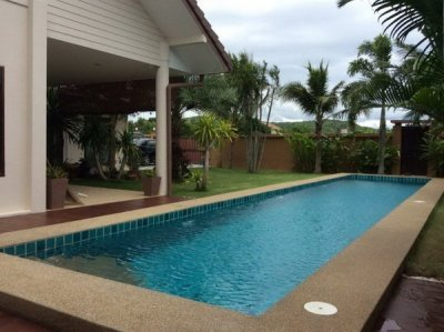 Pool villa near the beach Pranburi