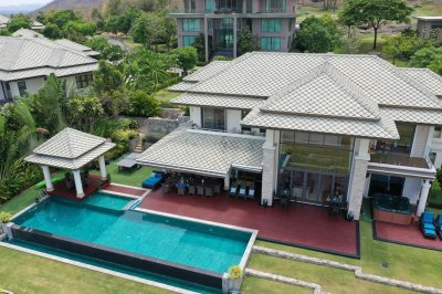 Luxurious course-side villa in Black Mountain Golf Club for sale Hua Hin