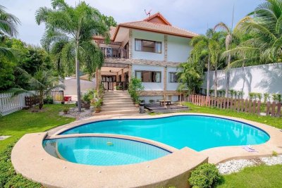 Large pool villa soi 88 in Hua Hin