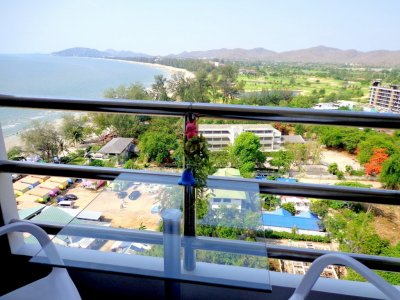 Hua Hin Condo Blue wave Takiab beach