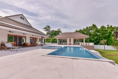Wonderful Brand New Spacious Pool Villa on Large Landscape Plot Pranburi