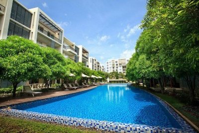 Beautifully Landscaped 3 Bed Beachfront Condo Hua Hin