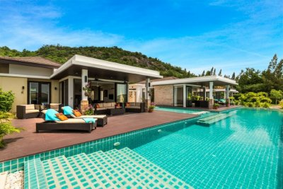 Hua Hin 2 Fantastic Pool Villas with 5 Bedrooms with Seaview & very large infinity edge Pool