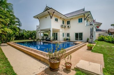 2 Storey Pool Villa with clear Panoramic Views of the Sea and Mountains Hua Hin