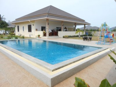 Hua Hin great property with large swimming pool