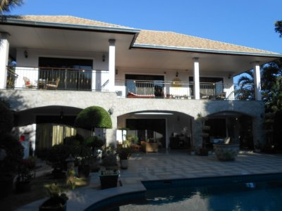 Large pool villa 320 sqm south of Hua Hin