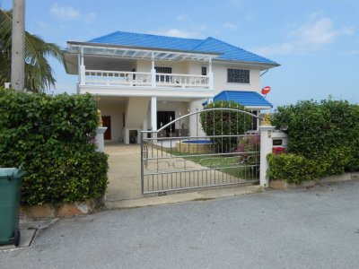 Pool villa 300 sqm north Hua Hin 10 minutes city