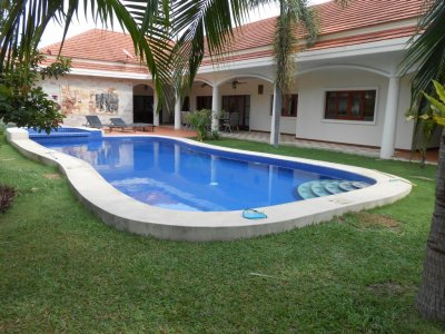 Pool villa 350 sqm south hua hin 10 minutes city