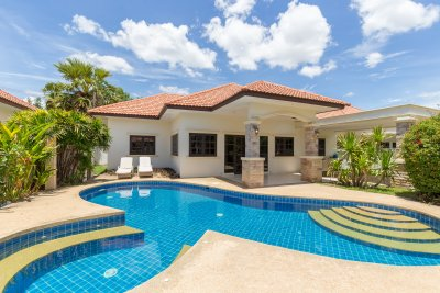 Pool villa 160 sqm ready to move near city Hua Hin