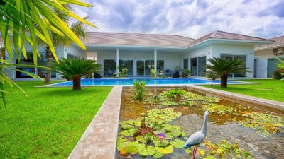 Avenue newly Built E-Type Pool Villa 219 sqm Hua Hin