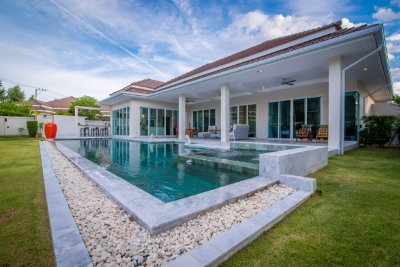 Woodlands Residence pool villa Jay 320 sqm west Hua Hin