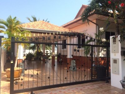 Nice villa pool in area north of Hua Hin 10 minutes city