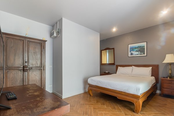 Centrally Located Good Quality 7 Bed Guesthouse