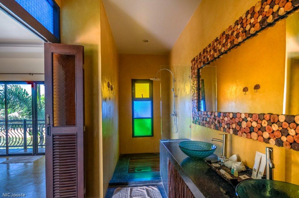24 Bedroom Boutique Hotel  U0026 Resort Villas Near The Sea And River